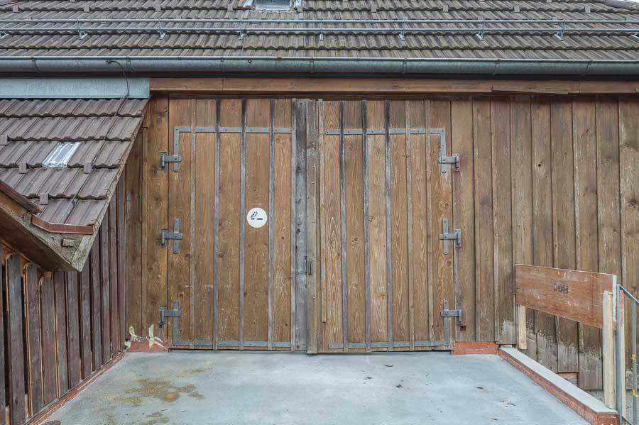 Eingang ehemalige Tenne Umbau und Sanierung ehemaliges Bauernhaus Maison Blanche Evilard