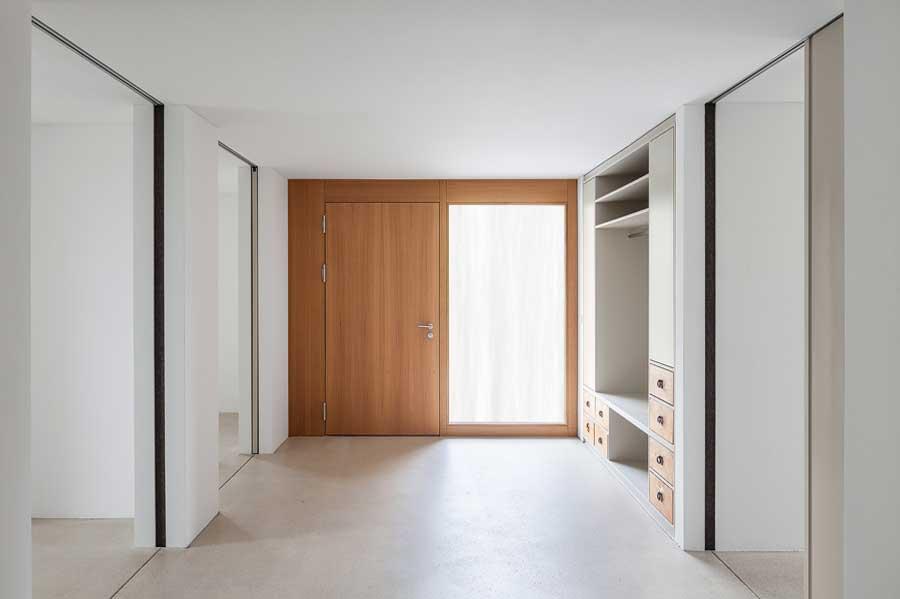 Spielkorridor Umbau und Sanierung ehemaliges Bauernhaus Maison Blanche Evilard