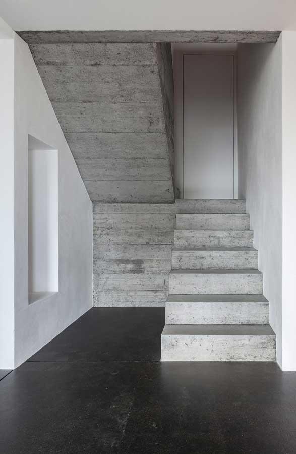 Betontreppe Umbau und Sanierung ehemaliges Bauernhaus Maison Blanche Evilard