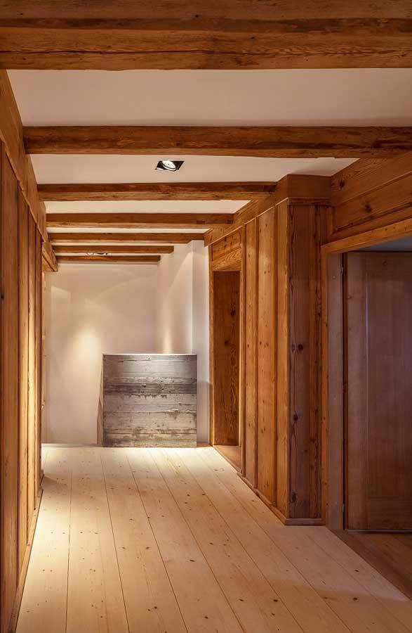Korridor Umbau und Sanierung ehemaliges Bauernhaus Maison Blanche Evilard