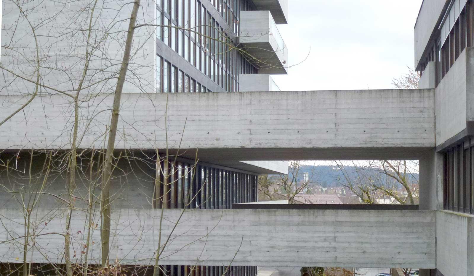 Sichtbetonfassade Bestand Sanierung und Erweiterung Alters- und Pflegeheim Redernweg Biel/Bienne