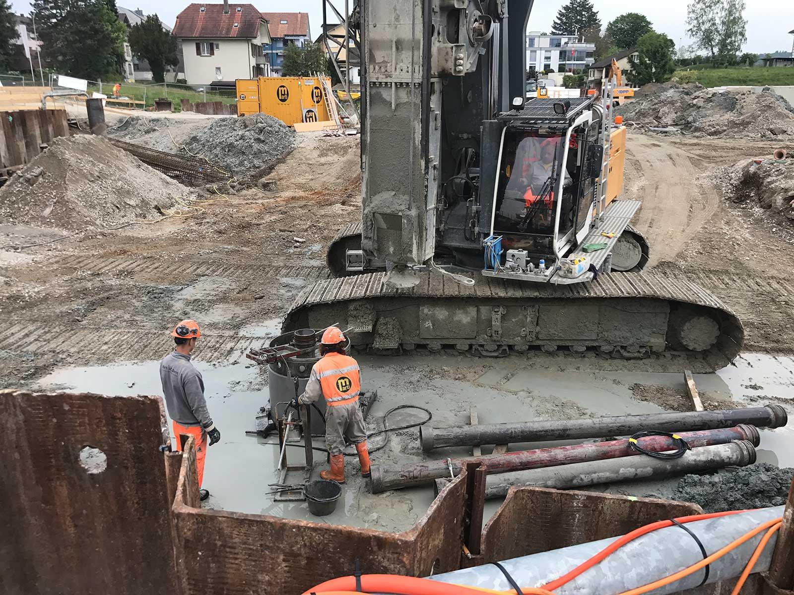 Bauplatz Pfählung Neubau Wohnüberbauung Dorfzentrum Orpund Gottstatt