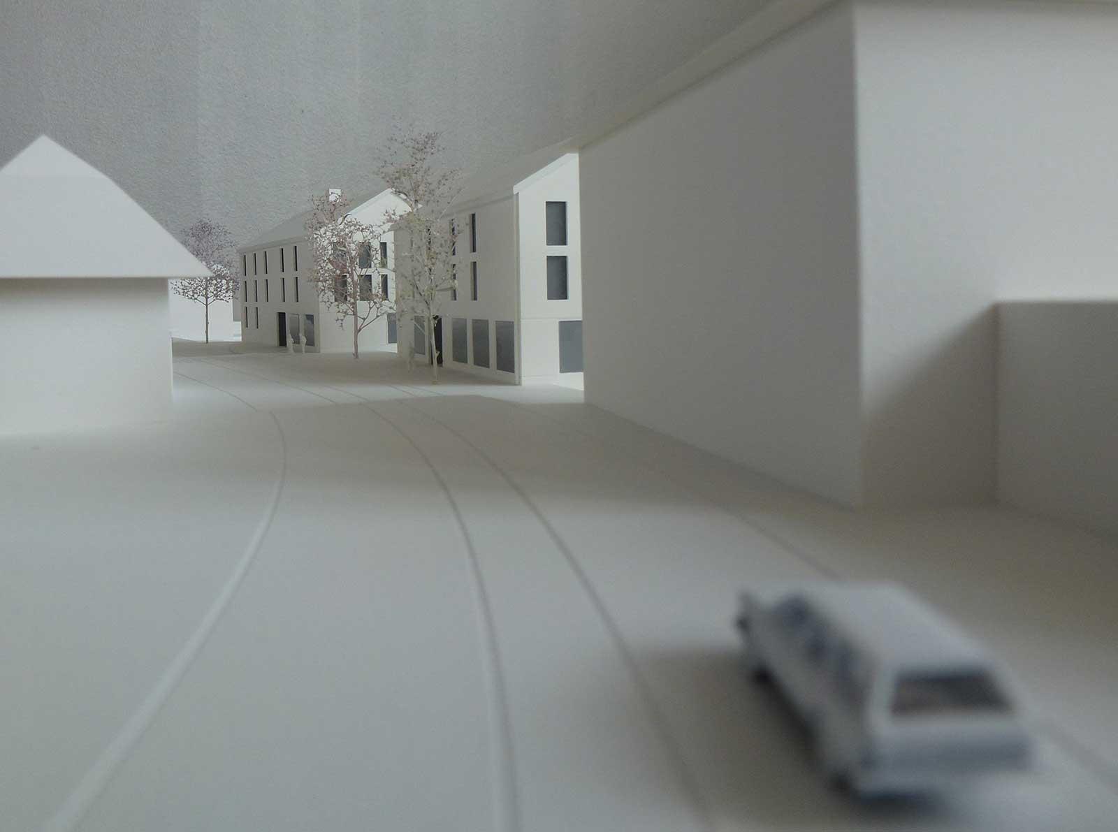 Modellfoto Strassenraum Neubau Wohnüberbauung Dorfzentrum Orpund Gottstatt